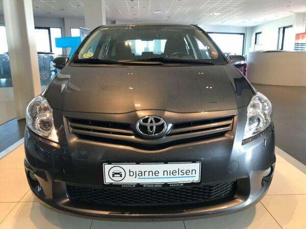 Toyota Auris 1,4 D-4D T2 M/M - billede 2