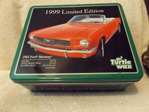 VINTAGE-TINS-034-1965-FORD-MUSTANG-034-TURTLE-WAX-KIT-1999-LIMITED-EDITION-10-034-WIDE