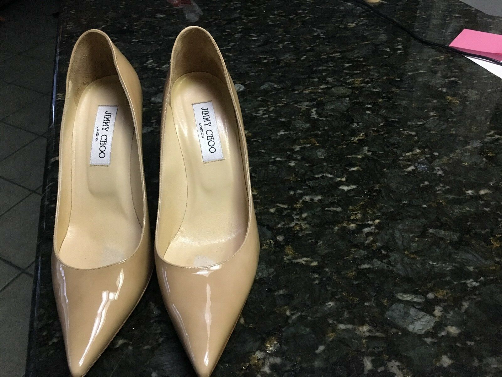 Jimmy Choo Beige Patent Leather  Agnes Pump - 40EU  10US  l'intera rete più bassa
