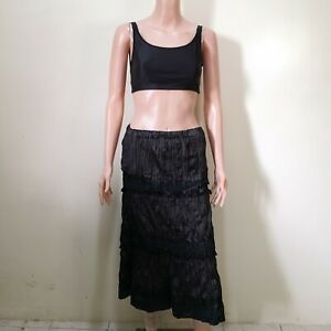 C1118 - NB Black Wrinkled Skirt with Lace Accents