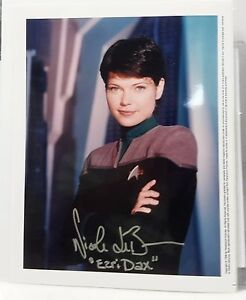 Details about Star Trek Voyager Autograph 8x10 Photo Nicole de Boer