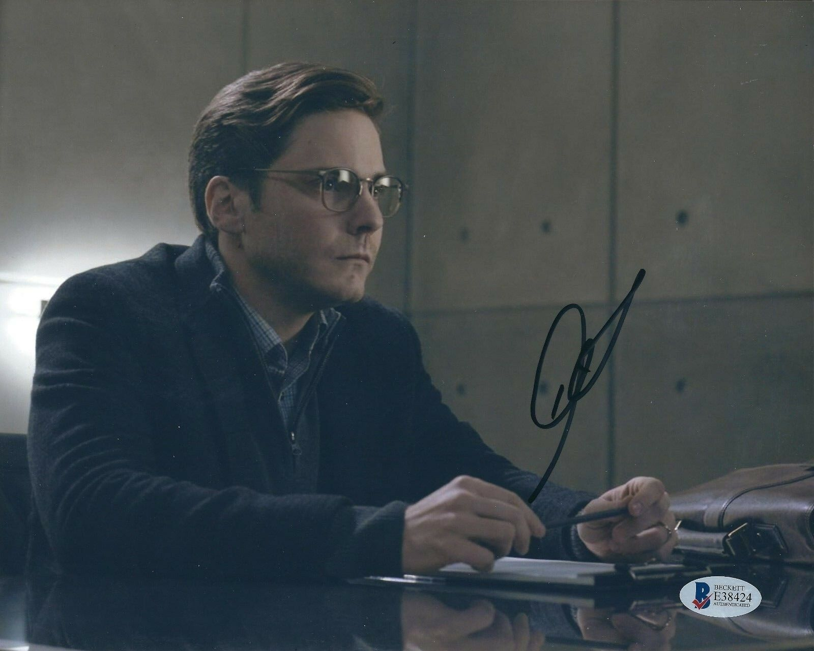 Daniel Bruhl Signed 'Captain America:Civil War' 8x10 Photo *Zemo BAS E38424