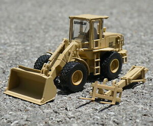 Norscot-1-50-CAT-Military-924H-Versalink-Wheel-Loader-Diecast-Model-Toy-55250