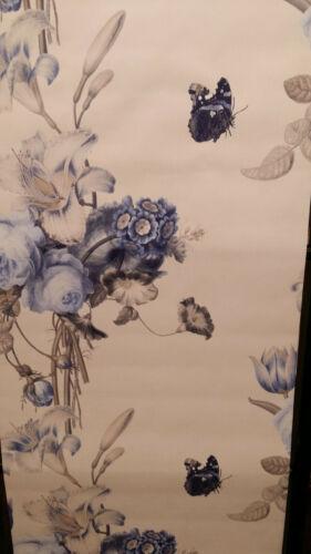 Barbara Schöneberger bouquet floral papillon bleu//blanc papier peint