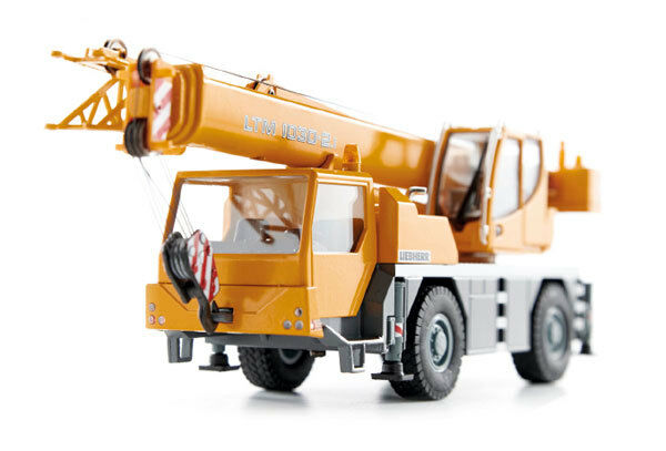 Conrad 2105 06 Liebherr LTM1030-2.1 Mobile Crane Diecast - Scale 1 50