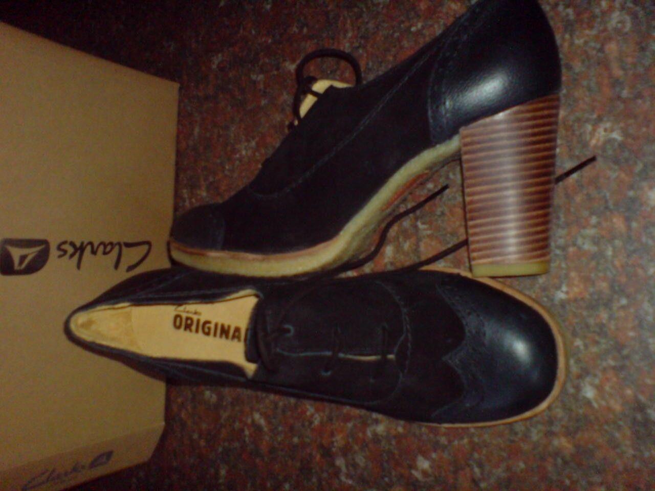 Clarks Original kombi Damen Kitzi Spaß Sand oder schwarz kombi Original Veloursleder UK 8/7.5 0a3b97