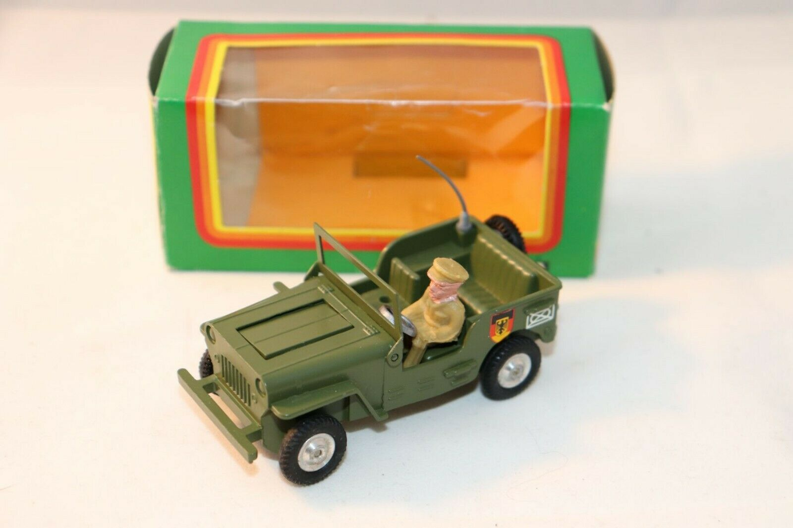 GAMA Mini 9034 7 Jeep with guns 1 43 mint in box original working condition