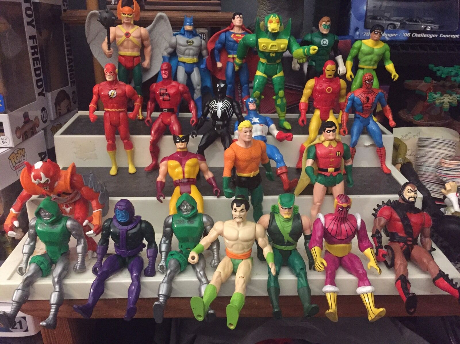 Mixed Lot of 23 Vintage Marvel & & & DC Comics Action Figures cd5a2b