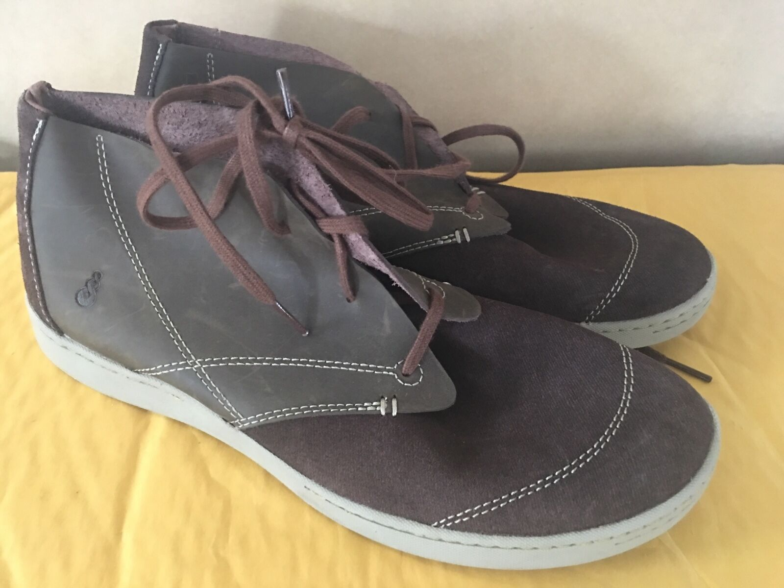 120 AHNU Pier 3 Women's Size 8 Chukka Bootie  Port Ankle shoes X1-662