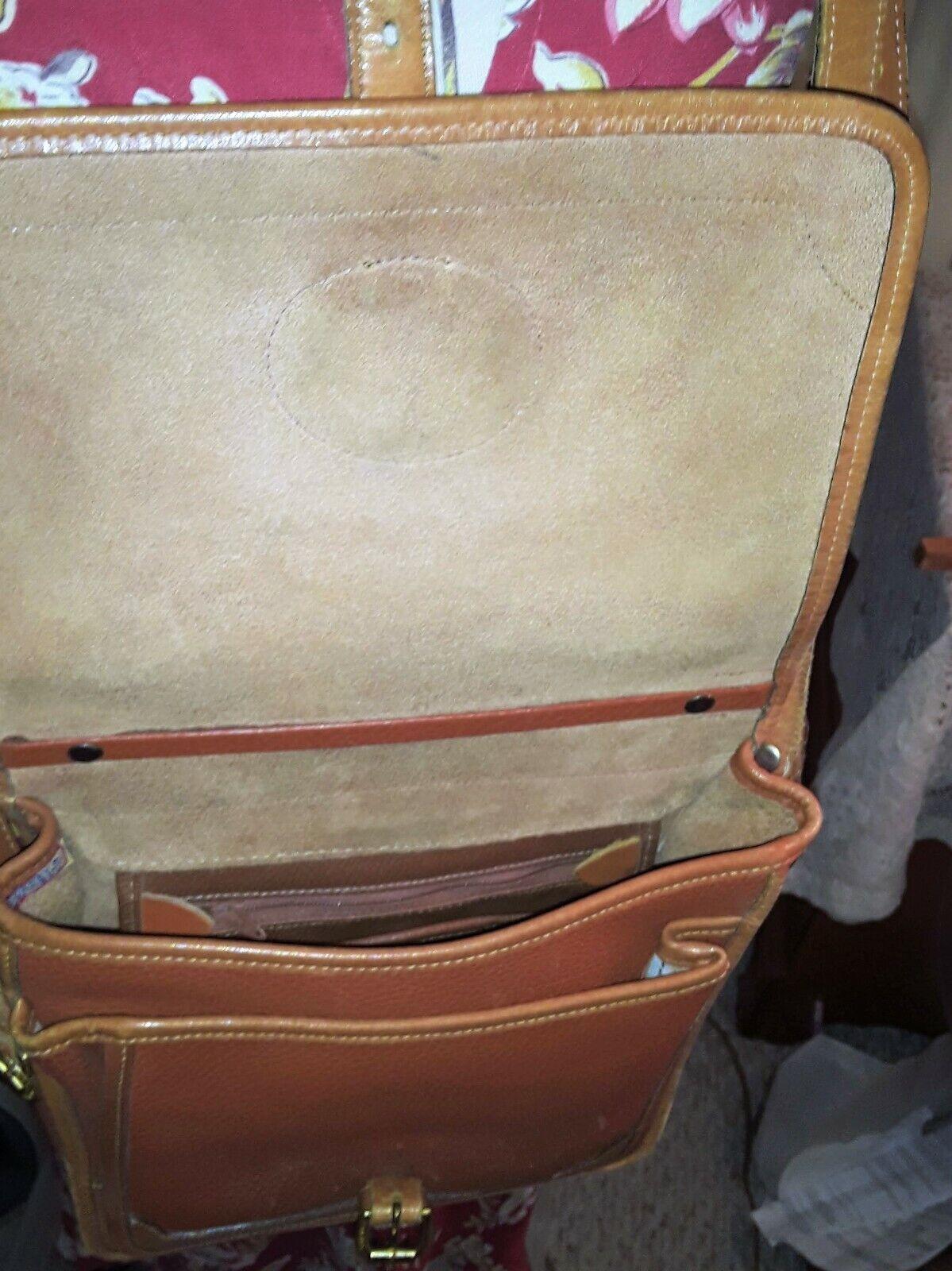Vintage Dooney & Bourke Messenger Crossbody Purse… - image 3