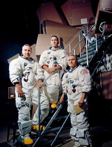 M9382 Jim Lovell /& Bill Anders Apollo 8 Astronauts photograph Frank Borman