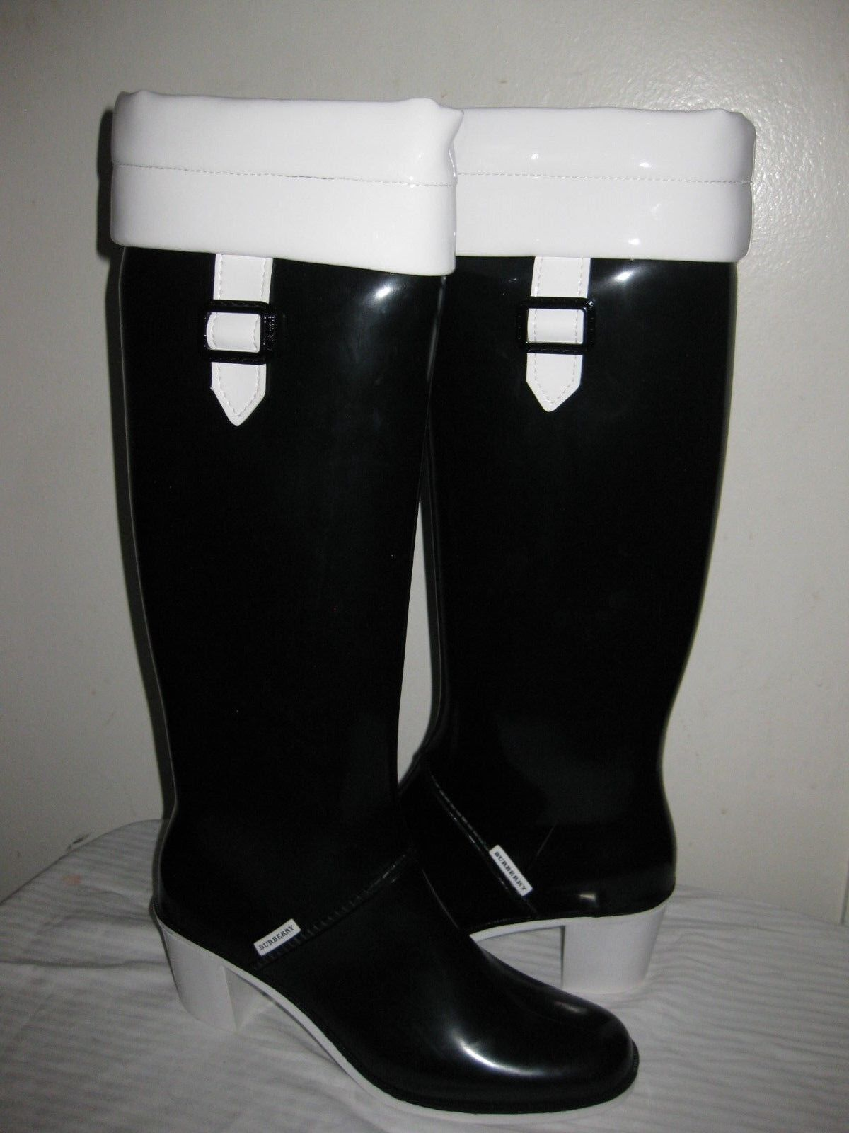 Burberry Tall Rain Stiefel Größe EUR 40, US 9 Made In ITALY.
