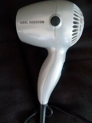 VIDAL SASSOON VS513 TRAVEL DRYER 1600W