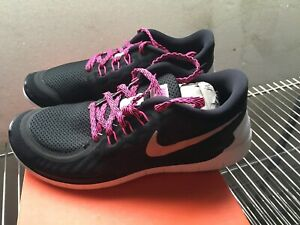 official photos f3666 80484 Details about NIKE FREE 5.0 (GS) SIZE US 4Y #725114 006 Sneakers  ~BlkMetSilverVividPink J102