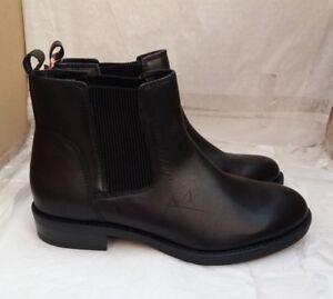 F\u0026F Black Leather Chelsea Boots - Size