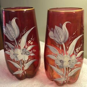 VINTAGE-PAIR-of-RUBY-CRANBERRY-GLASS-HAND-PAINTED-VASES