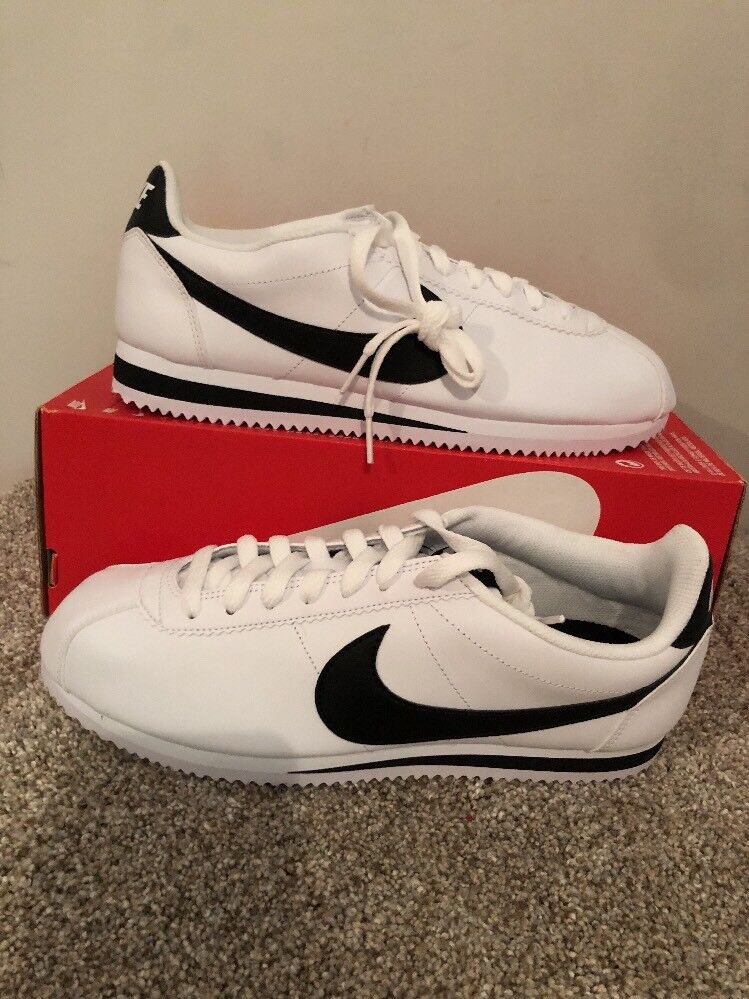 Women's Nike Classic Cortez Leather White Blk Sneakers shoes 807471 101 SZ 10.5