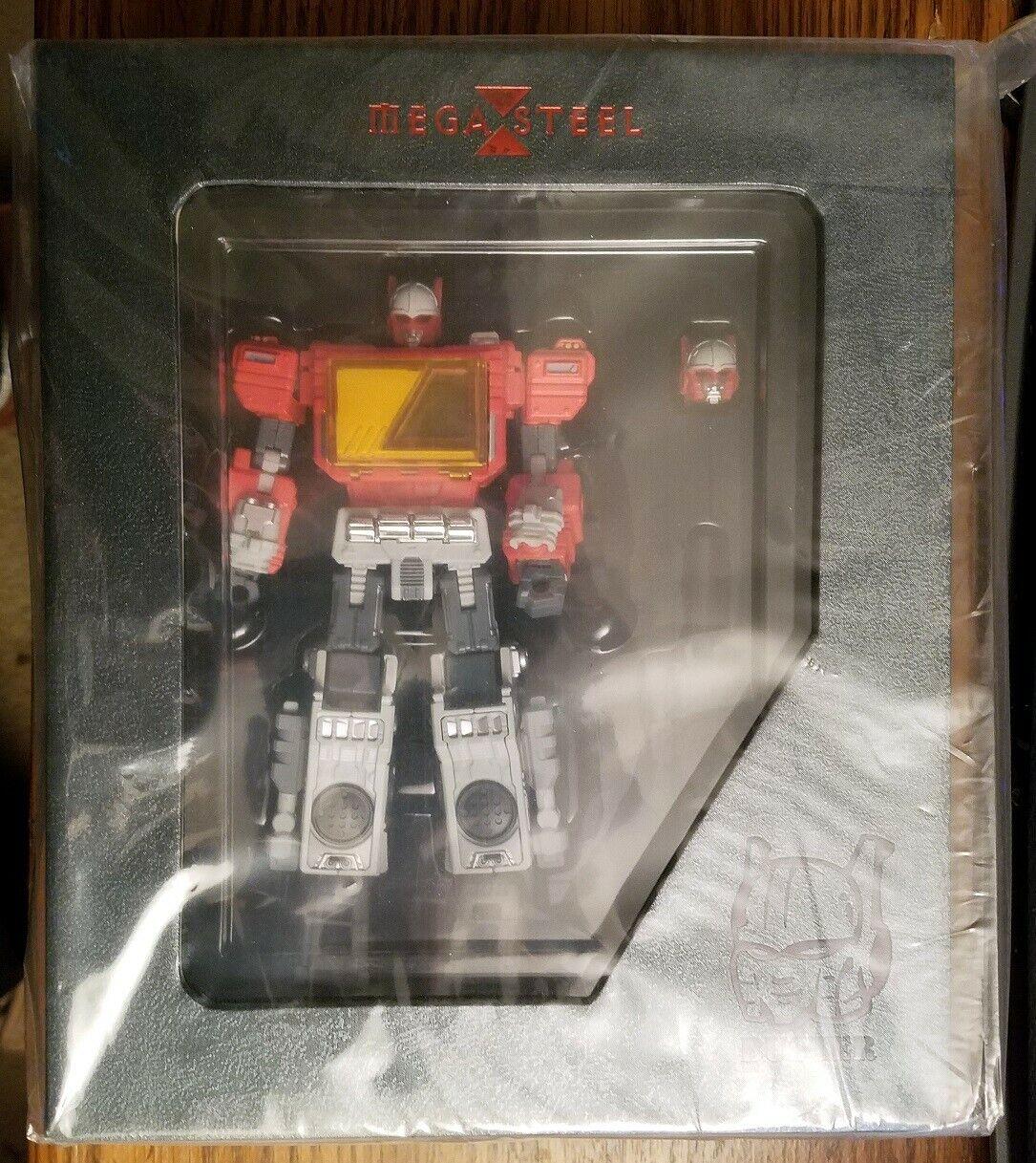Mega Steel MS03 Radio MISB Transformers Blaster