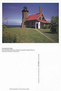 SAND-ISLAND-LIGHTHOUSE-WISCONSIN-UNITED-STATES-UNUSED-COLOUR-POSTCARD