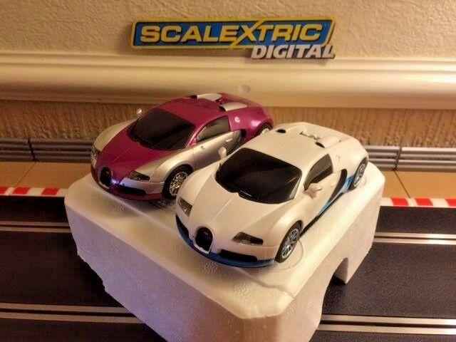 Scalextric Digital Bugatti Veyron Paquete Doble Doble Doble completamente mantenido y nuevo trenzas en muy buena condición 16166e