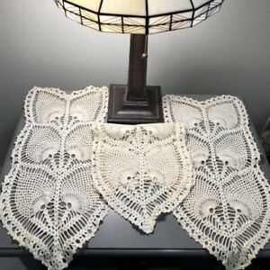 Vintage-Hand-Crocheted-Arm-Chair-Doilies-Matching-Set-of-3-Cream-Peacock-Pattern