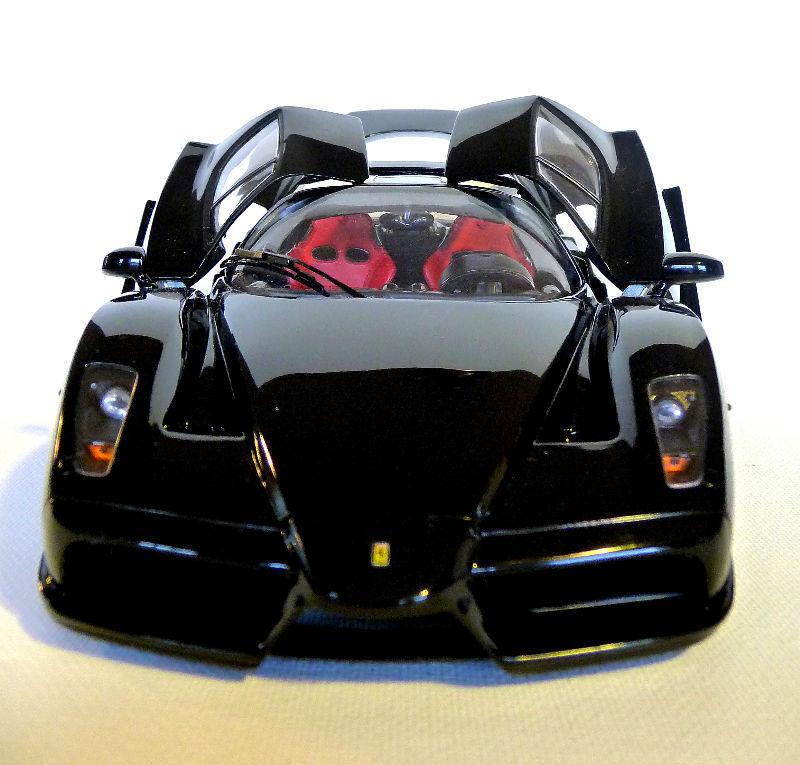 1 18 Bbr  HE18009 - Enzo Ferrari Metallico Nero Limitato Nr. 220 1507 -raritaet