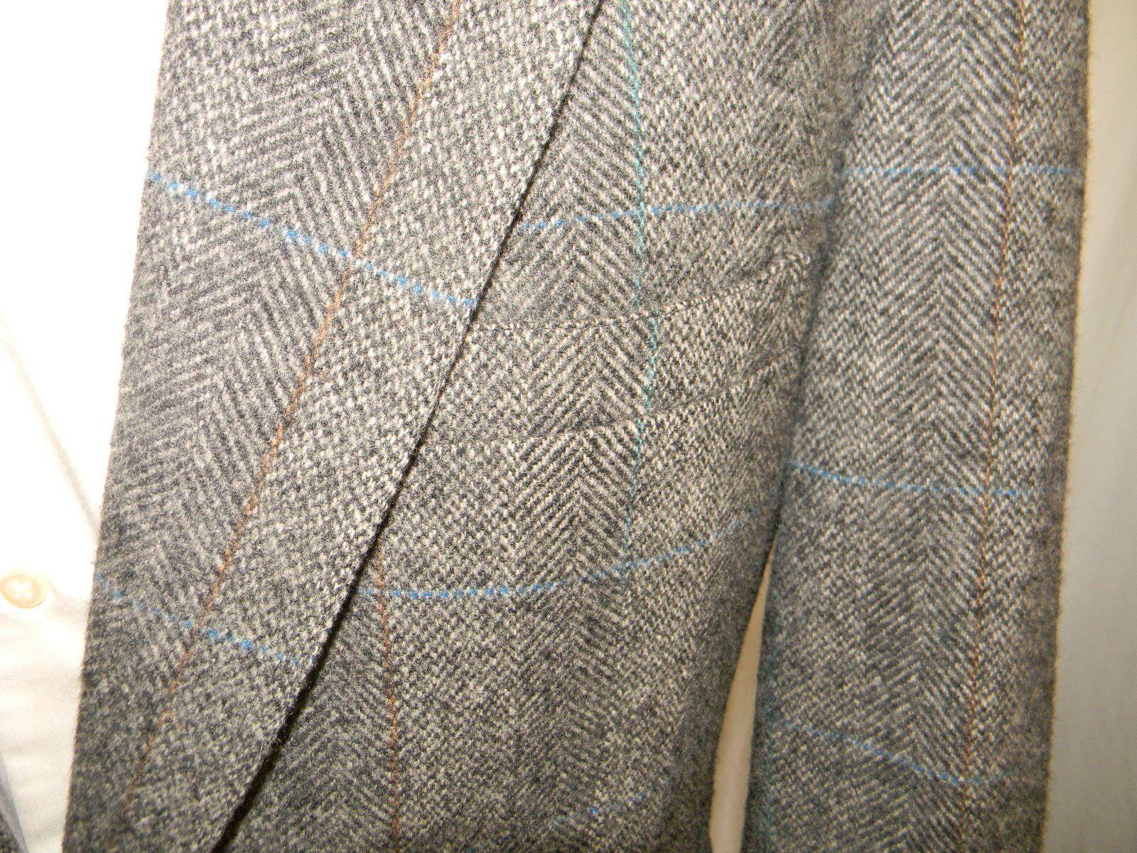 Tailors Bench Blazer 2 Button Center Vent Notched Lapels 100% Wool 42