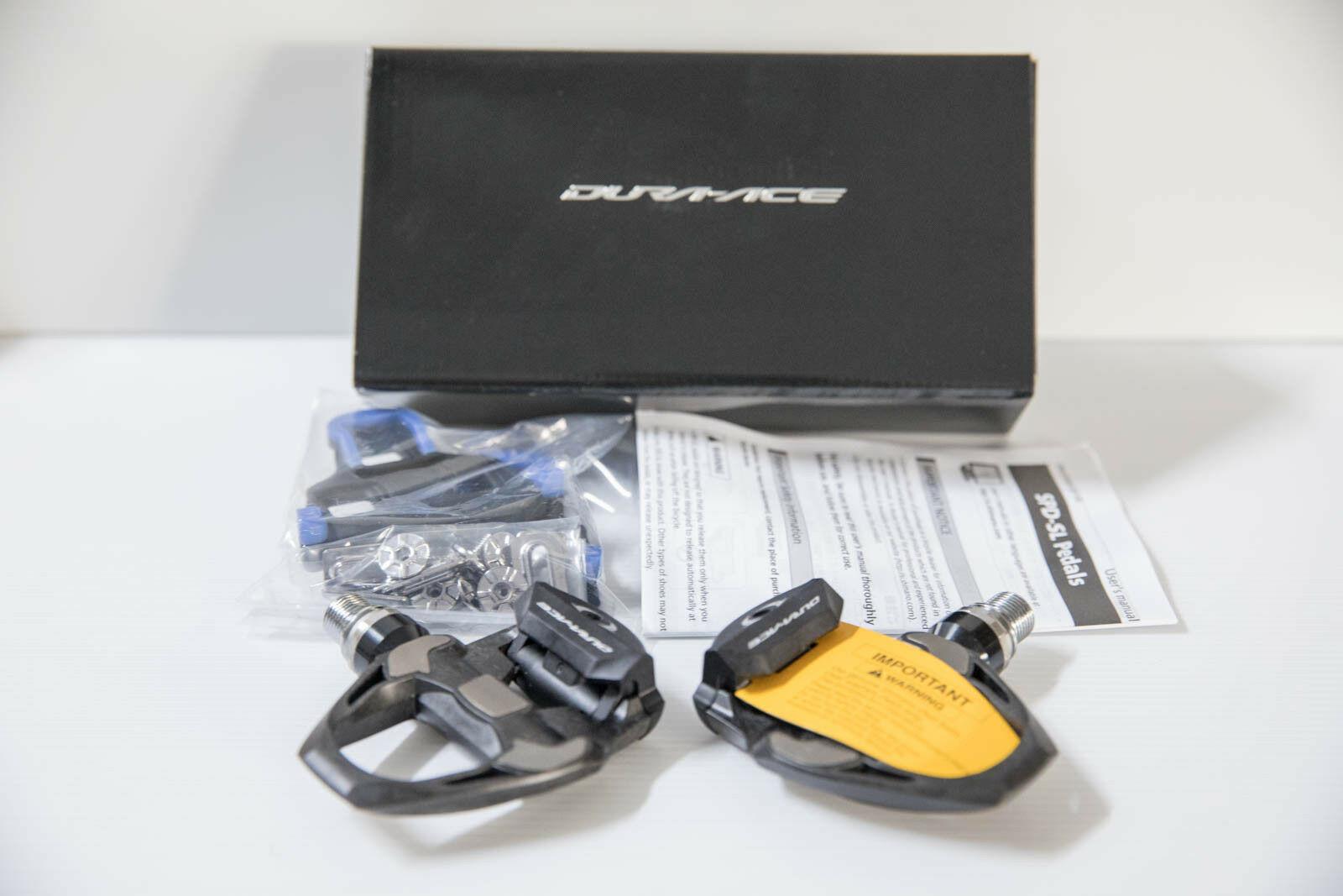 Shimano DURA- ACE Pedal With cleats PD-R9100 carbon fiber pedal with SM-SH12