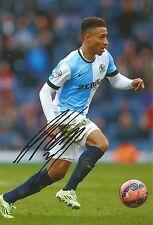 7 x 5 pollici con foto e personalmente firmato da Adam Henley di Blackburn.