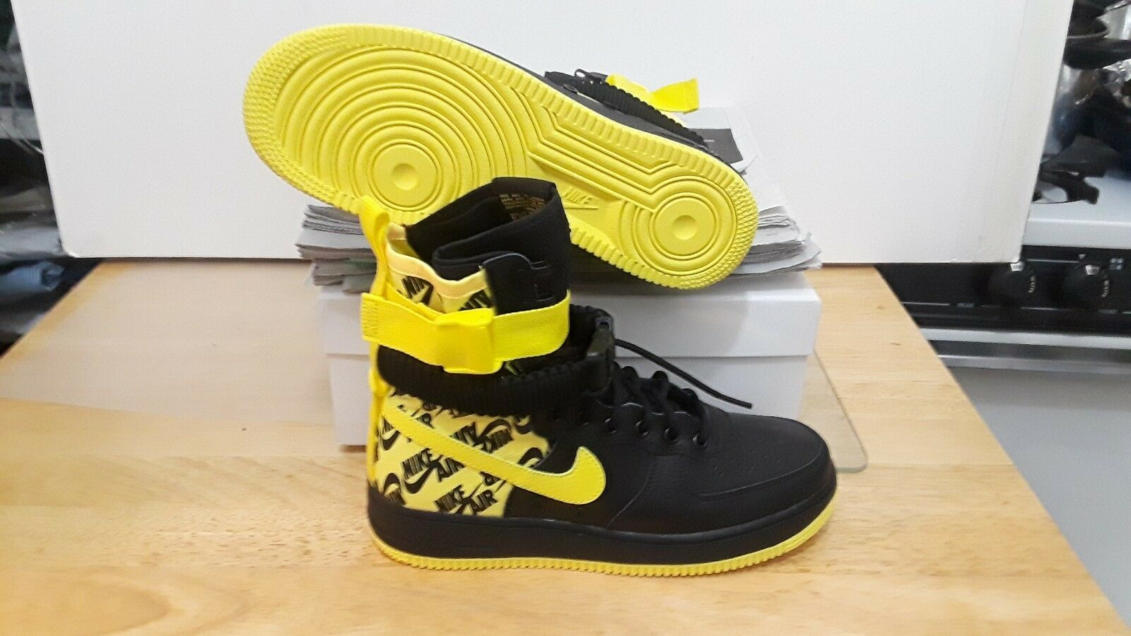 NIKE MEN'S SF-AF1 HI BOOTS BLACK DYNAMIC YELLOW AR1955-001 SIZE  8.5