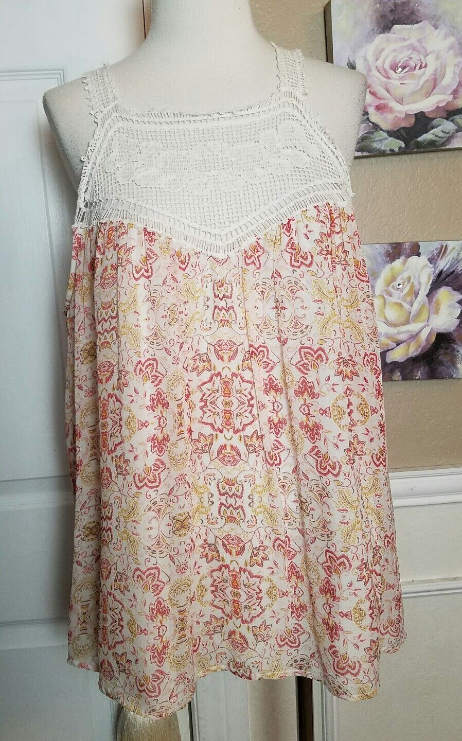 JOIE Bayard Crocheted Yoke Lace Trim Porcelain Printed 100% Silk Tank Top sz M