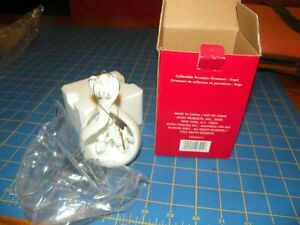 AVON NEW IN BOX ANGEL Christmas Ornament W/LITTLE ANGELS CHOIR 4.5 in