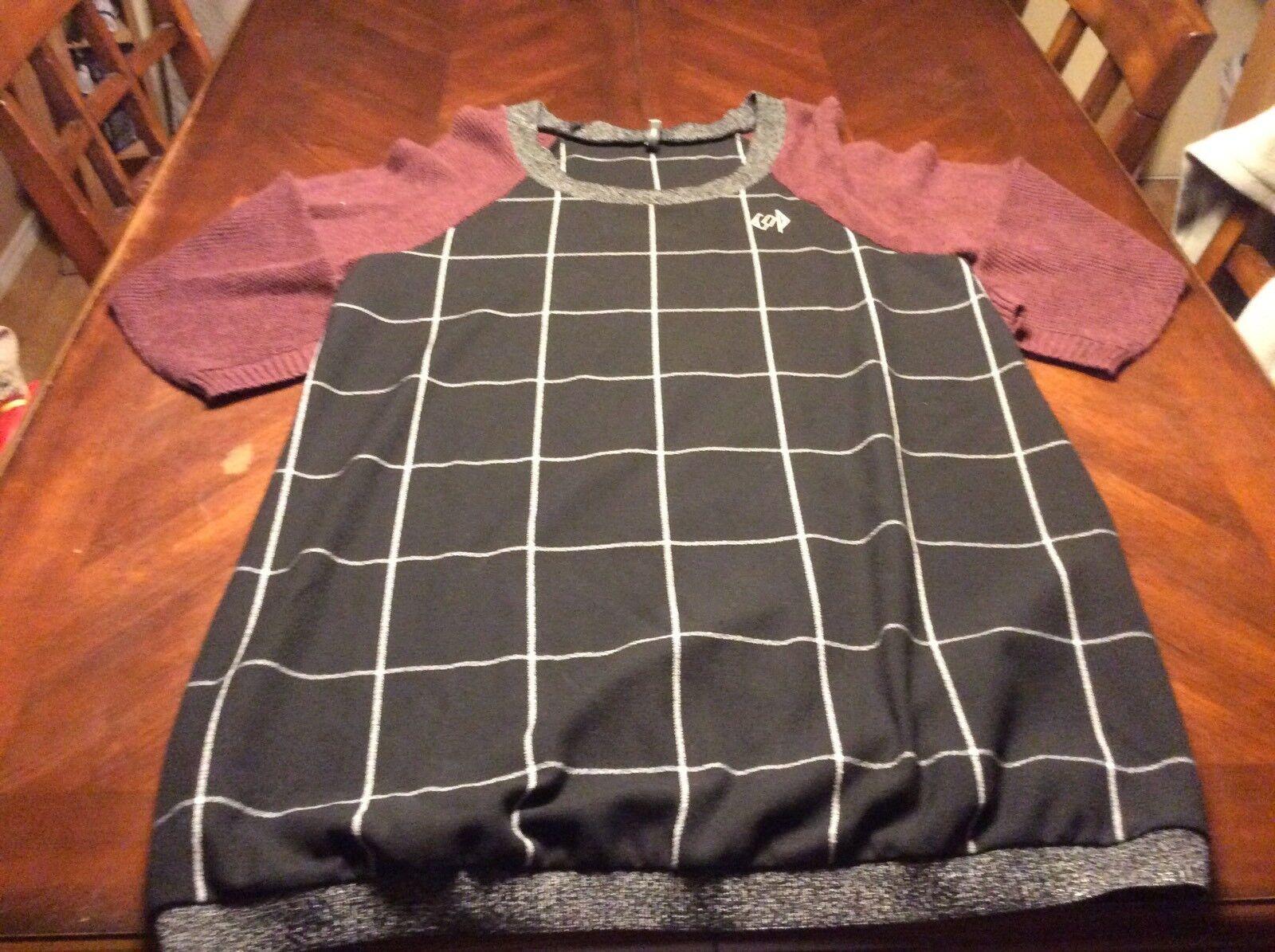Copine Cop schwarz Weiß Maroon Sweater Mini Dress Größe L  damen Lightweight