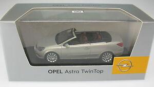 Minichamps-OPEL-ASTRA-H-Cabrio-TWINTOP-argento-metallizzato-1-43-NUOVO-IN-SCATOLA-ORIGINALE