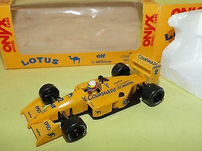 Onyx Castrol Lotus 107 F1 1:43 Mika Hakkinen NEU und OVP