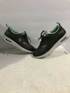 Nike Air Max Thea Olive Green Sz 7.5
