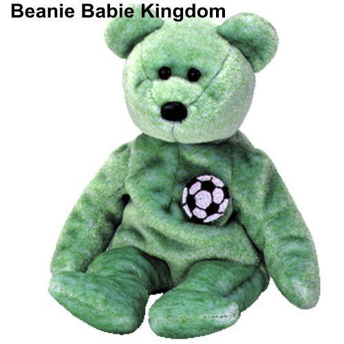 TY BEANIE BABIE * KICKS * THE GREEN SOCCER FOOTBALL TEDDY BEAR 7 aprox