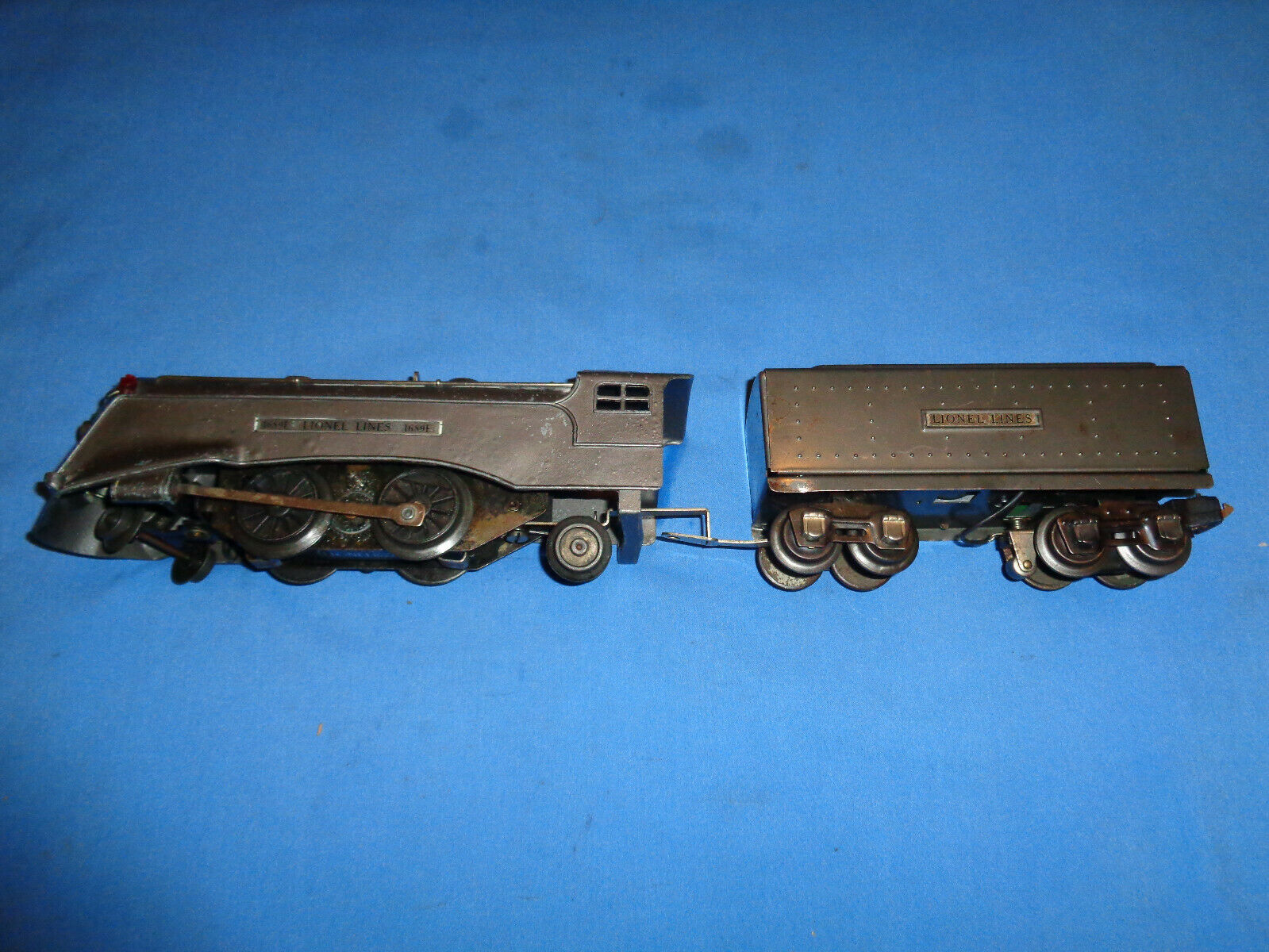 Lionel E comodoro Vanderbilt Locomotora Licitación con 1689W en bronce de cañón se ejecuta.