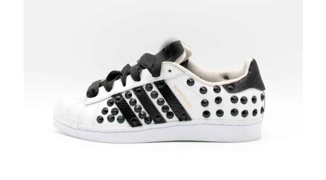 Schuhe Adidas Superstar mit Gewebe und Stachel Schwarz