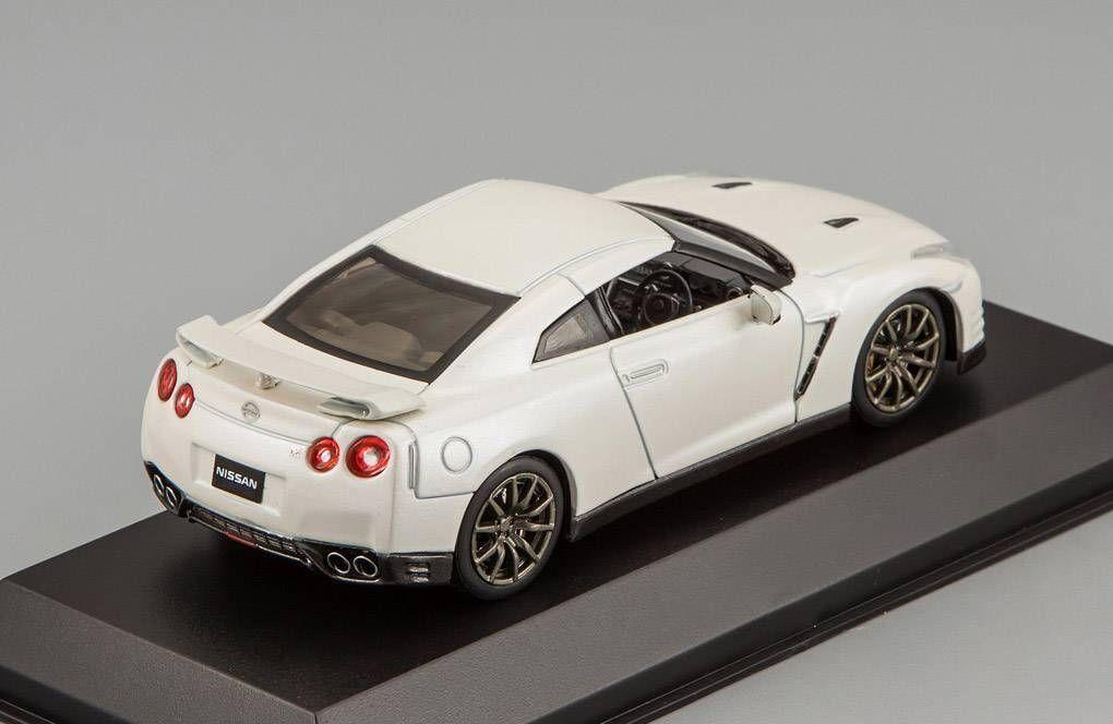 Nissan Nissan Nissan GT-R (R35) 2014 1 43 Kyosho 03744BW c93c42