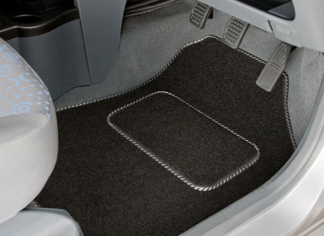TOYOTA AVENSIS (2011 ONWARDS) TAILORED CAR MATS WITH SILVER STRIPE TRIM [2598]