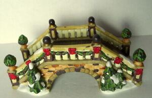 Grandeur Noel Victorian Village Bridge Evergreen Greenery Christmas  2003