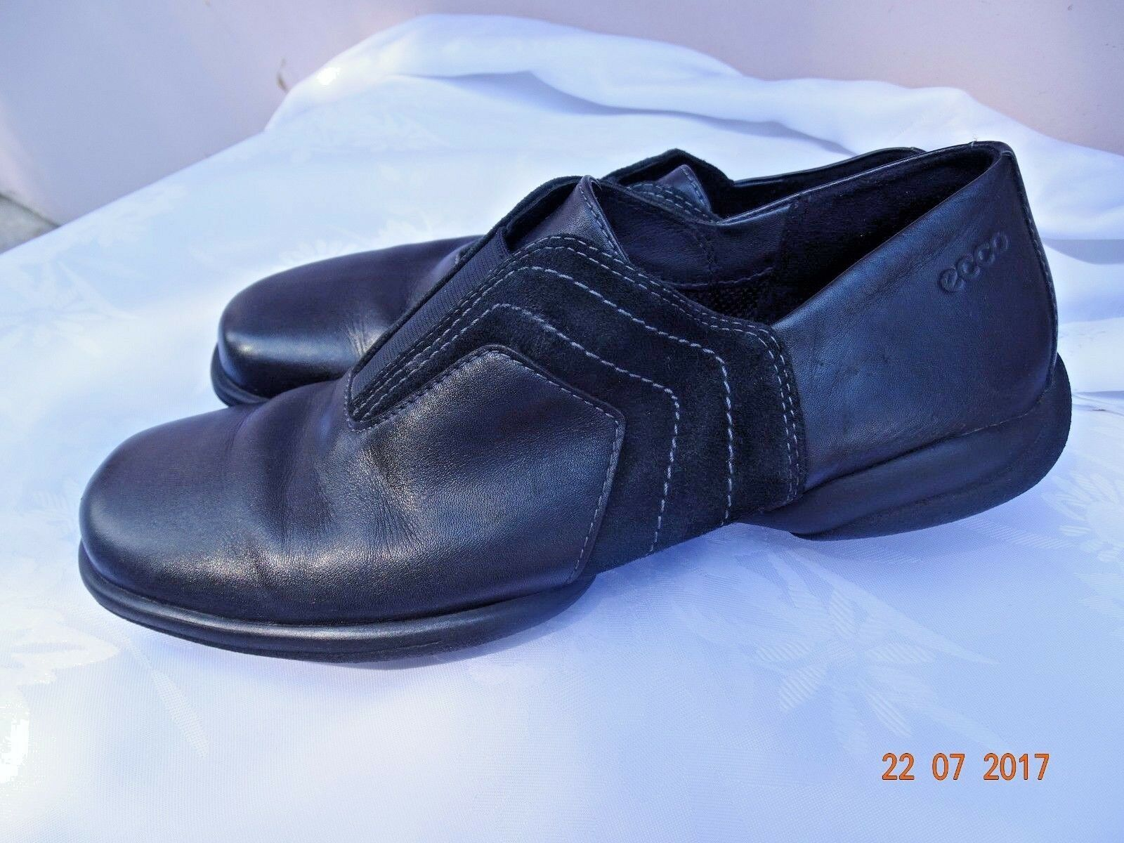 Ecco Womens black Vegetable Tanned Leather driving drivers Loafers Shoes US 9