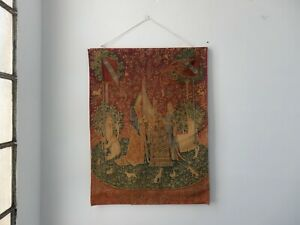 French-Medieval-Art-The-Lady-and-the-Unicorn-Tapestry