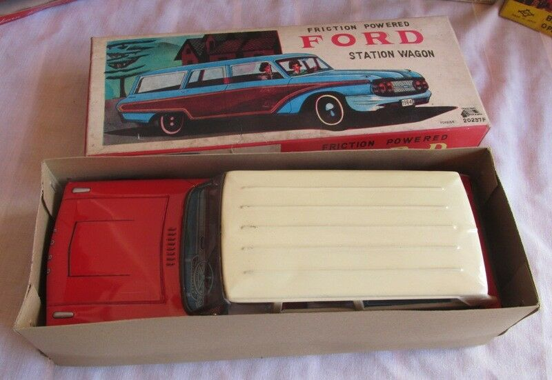 Jahr RARE FORD STATION Auto, IN BOX, WORKS, NMIB OLD STOCK, MUST SEE