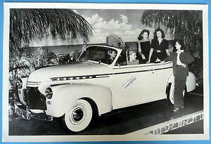 12-By-18-034-Black-amp-White-Picture-1941-Chevrolet-Convertible-Top-Down