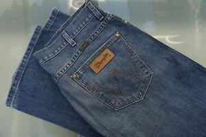 WRANGLER-Dayton-Herren-Men-Jeans-Hose-38-32-W38-L32-blau-stonewashed-TOP-D12