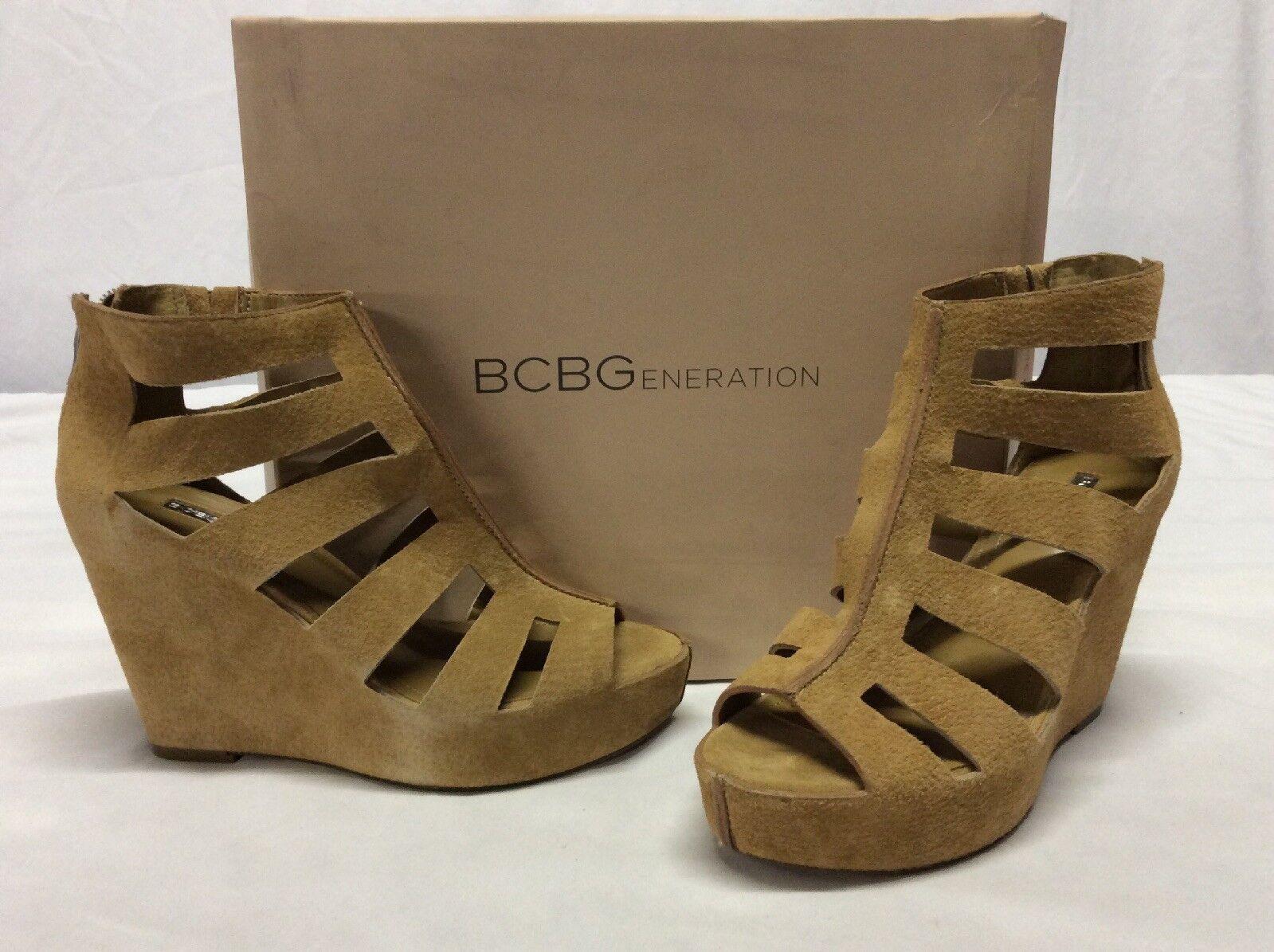 Bcbgeeneration Torrez Mujer Cuña Sandalias, tan Learher, tamaño 8.5 M