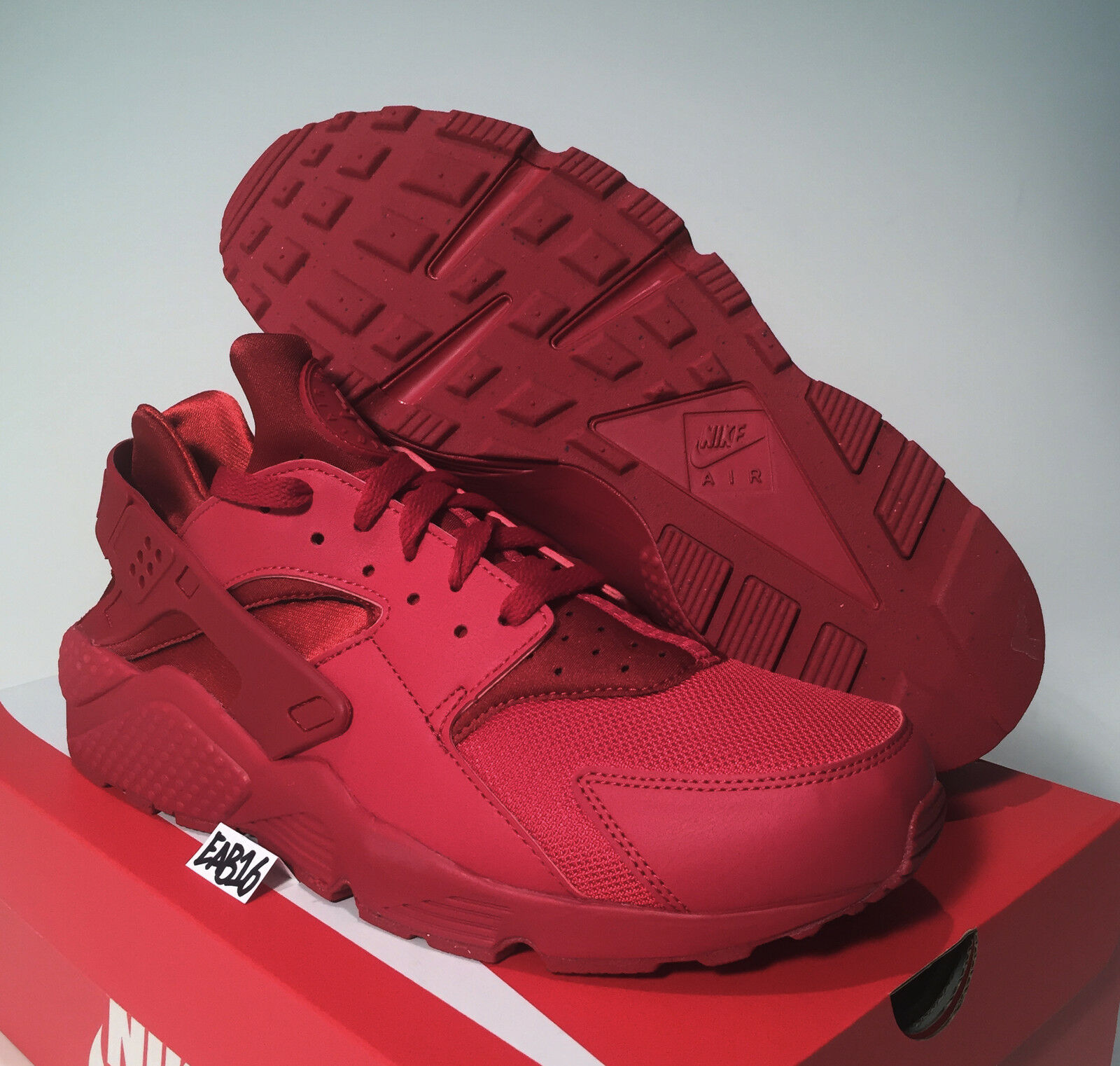 Nike Air Huarache Run Triple All Varsity Red 318429 660 Size 9-12 Mono October