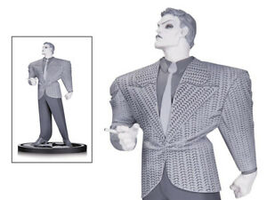 Batman-Black-And-White-Series-b-w-Dc-Statue-JOKER-By-Frank-Miller-Cult-Comics